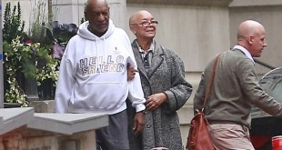 2EBC095700000578-3331141-Camille_Cosby_appeared_to_be_holding_her_husband_upright_as_they-a-12_1448327792528